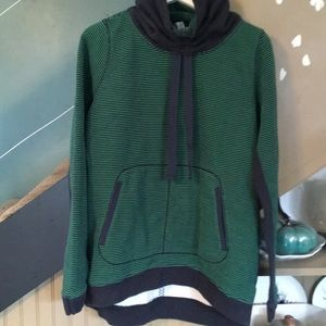 Tops - rare LULULEMON Avenue pullover sweatshirt